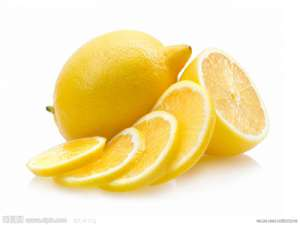 老年人喝柠檬片泡水的好处