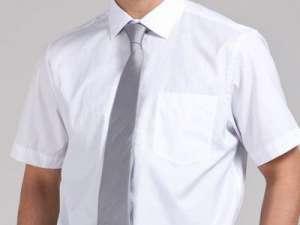 商务男选择衬衣别忽视三个地方