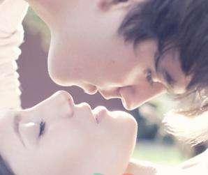用这样的方式接吻才不易得病