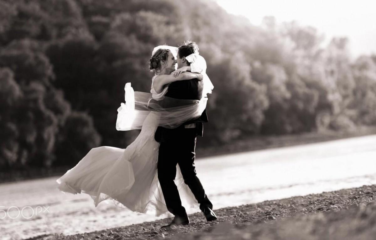 MEMORY婚戒定制典范,它倒映的爱是我的心