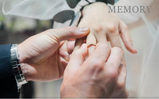 MEMORY钻石婚戒定制,花落有情人