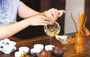 正确的品茶方法