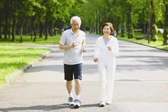 10大治疗方法战胜腰椎间盘突