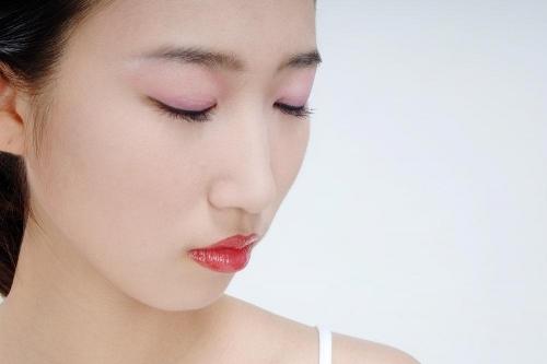眼角皱纹怎么去除 看一遍就能记住的方法