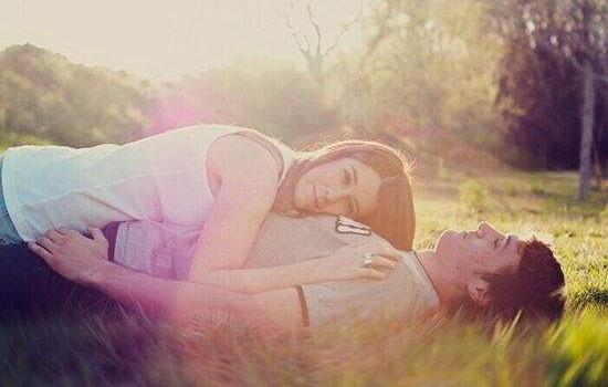 婚外情常在黑暗和夹缝中求生,注定了婚外情难以长久。