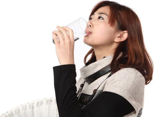 警惕喝水应避免10个坏习惯