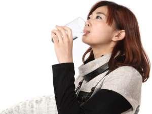 警惕!喝水应避免10个坏习惯