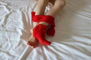 为什么男人见了丝袜美腿会激起性欲?